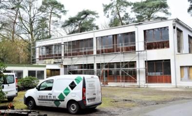 Werken asielcentrum op de lange baan