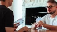 Uitgekeken op wiezen of manillen? Zoek een nieuw spel op de online 'kaartspellenbijbel'