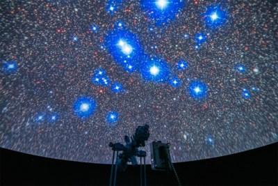 """We kijken massaal naar de sterren vanuit 'ons kot: """"Nog nooit zo veel telescopen verkocht"""""""