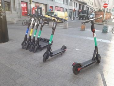 Zorg- en horecapersoneel mag in Brussel tijdelijk gratis met de step
