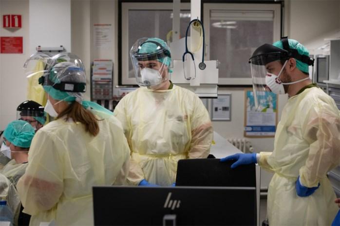 De piek is in zicht, maar de daling nog niet: waarom cijfers nog hoog zullen blijven maar experts toch positief klinken over coronavirus