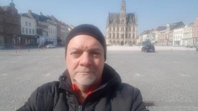 """Coach Dirk Geeraerd over het onzekere leven binnen en buiten Waasland-Beveren: """"Ik had misschien corona. Voetbal is nu echt bijzaak"""""""