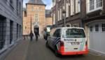 Drugsverslaafde duwt hoofd ex-vriendin tegen voorruit van auto