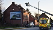 Toevallige voorbijganger redden vrouw en bedlegerige moeder op het nippertje uit brandende woning