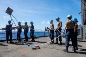 """Commandant slaat alarm: Coronavirus """"verspreidt zich ongecontroleerd"""" op Amerikaans vliegdekschip"""