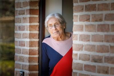 """Na oorlog, hart- en heupoperatie overwint Jeaninne (87) nu ook coronavirus: """"Ik ga een grote kaars branden voor de verpleegsters"""""""