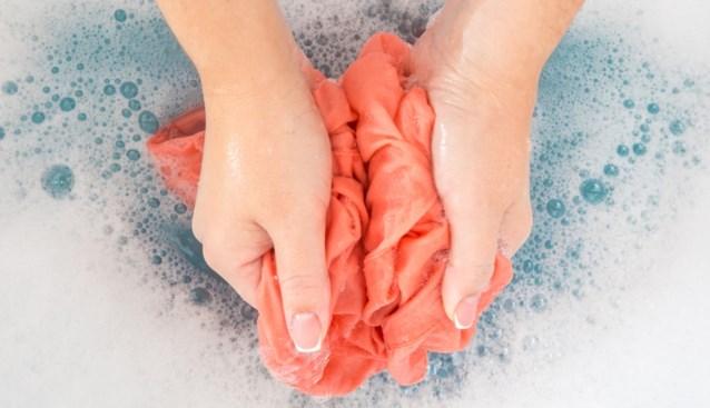 Wassen zonder wasmachine in coronatijden: een handleiding