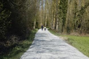 Werken aan fiets- en wandelpad door natuurgebied Den Dotter