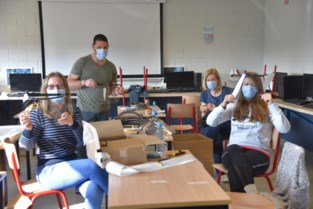 Atheneum maakt 1.800 gezondheidsmaskers met lasercutter