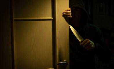 Zeventiger stampt mes uit handen van indringer tijdens home invasion: minderjarige opgepakt