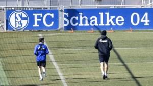 Benito Raman en Schalke 04-ploegmaats zorgen voor opmerkelijke beelden door te trainen in volle coronacrisis
