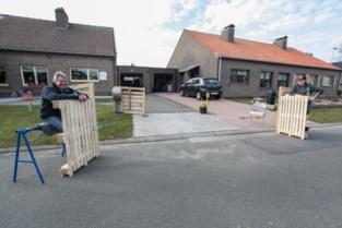 Wondelgemnaars installeren 'coronaveilige' straatbar