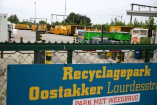 """Vier recyclageparken in Gent heropenen: """"Beschouw het niet als een welkom uitstapje"""""""