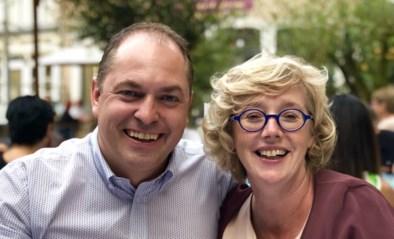 Veerle Heeren is burgemeester in het epicentrum, terwijl haar man vecht voor zijn leven: