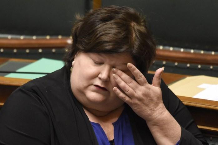 """Waarom Franstalig België de kop van Maggie De Block eist: """"Dit is de slechtste minister van Volksgezondheid ooit"""""""