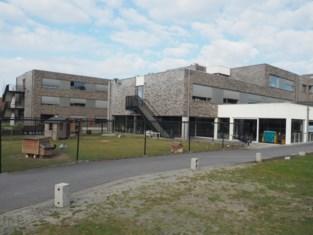 Vier bewoners Prieelshof testen positief op COVID-19. WZC Markizaat richt preventief ook afzonderingsruimte in.