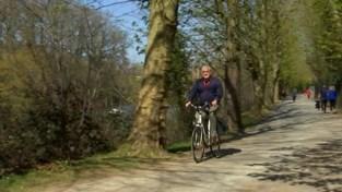 Burgemeester Diest fietst zelf door stad om te kijken of inwoners corona-richtlijnen volgen