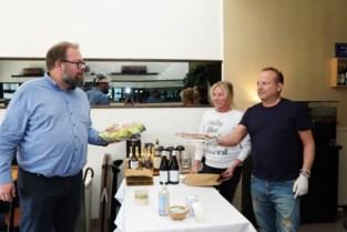 """Chef Surtoe zat vast op Tenerife: """"Blij dat ik weer achter mijn stoof sta"""""""