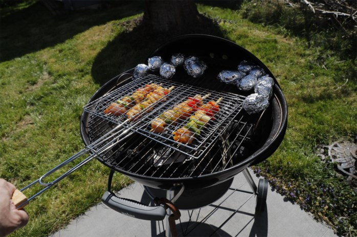 Brandweer waarschuwt voor brandrisico's bij barbecueën
