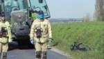 Wielertoerist komt om na ongeval met tractor: kameraad ziet alles gebeuren