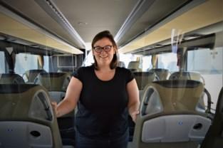 """Herman & Vandamme haalt bussen van stal om gestrande reizigers in Spanje op te pikken: """"Een plezierreisje wordt het zeker niet"""""""