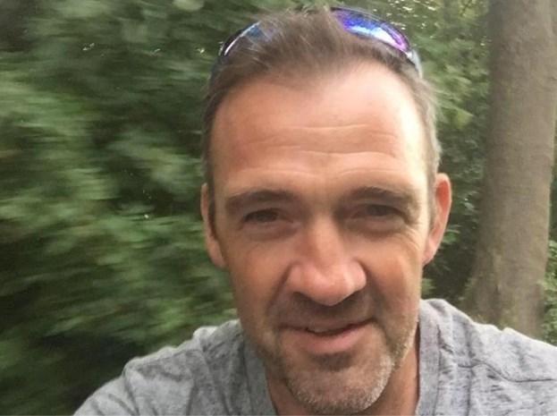 """Wielertoerist Nico ontsnapt aan erger na zware aanrijding: """"Prijs me gelukkig dat ik er nog ben"""""""