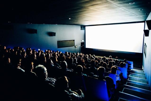 Kunstencentrum Buda schenkt 100 filmtickets aan zorgverleners