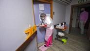 Waarom besmette bewoners vaak in het rusthuis blijven en thuiswonende bejaarden wél naar het ziekenhuis worden gebracht