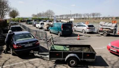 Is chaos aan containerparken vooruitblik op hoe het gaat als de coronamaatregelen worden opgeheven?