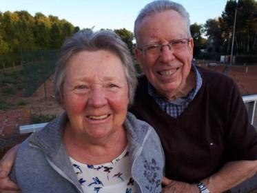 """Eliane (82) leerde haar volk tennissen, maar corona werd haar fataal: """"Hopelijk kan urne later nog even naar haar tempel, de tennisclub"""""""