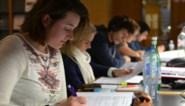 Examen in een voetbalstadion of feestzaal, op zondag of via Skype: het kan dit jaar aan de KU Leuven