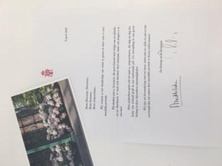 Koning stuurt bloemenkaartje naar woonzorgcentra