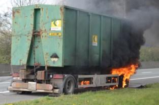 FOTO. Vrachtwagenbrand op E34
