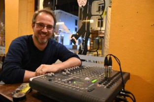 """Eén jaar na zijn overlijden herdenkt zoon Christophe zanger Paul Severs: """"Ik hoor de fans van mijn pa nog elke dag"""""""