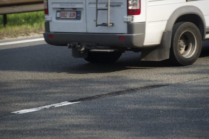 Vervanging asfaltlaag op E19 in Mechelen-Zuid zorgt mogelijk voor geluidshinder 's nachts