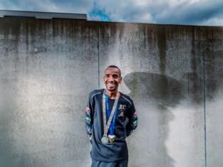 Gentse toploper Bashir Abdi steunt zorgverleners met nieuw fonds