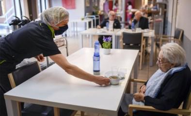 Geen ringen dragen en cafetaria controleren: wat Artsen Zonder Grenzen heeft geleerd uit de Brusselse woon-zorgcentra