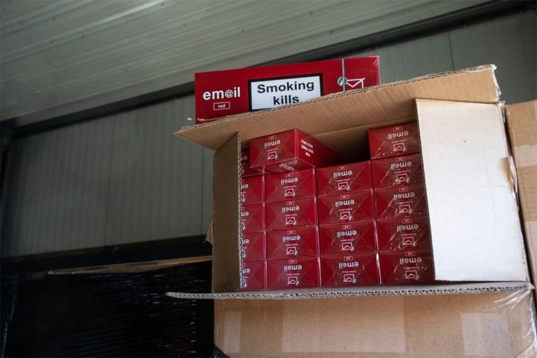 Miljoenenboetes voor omvangrijke sigarettensmokkel