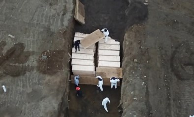 Kisten worden in massagraf gedragen: staat New York zwaar getroffen door corona met al 160.000 besmettingen en 7.000 doden