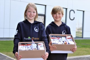 Twee vliegen in één klap: tweeling koopt paaseitjes op van hockeyclub en schenkt die aan ziekenhuizen