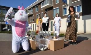 FOTO.  LeasePlan geeft 250 paaseieren weg