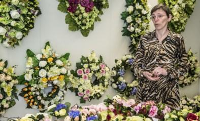 """Begrafenisondernemer toonde dienst al live via YouTube: """"We geven kopie mee"""""""