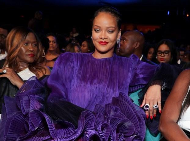 Rihanna doneert bijna 2 miljoen euro aan slachtoffers van huiselijk geweld