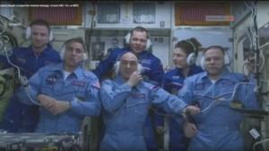 Drie ruimtevaarders met Sojoezcapsule vanuit ISS naar aarde teruggekeerd