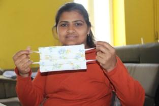 Asielzoekers maken mondmaskers voor zorgcentrum