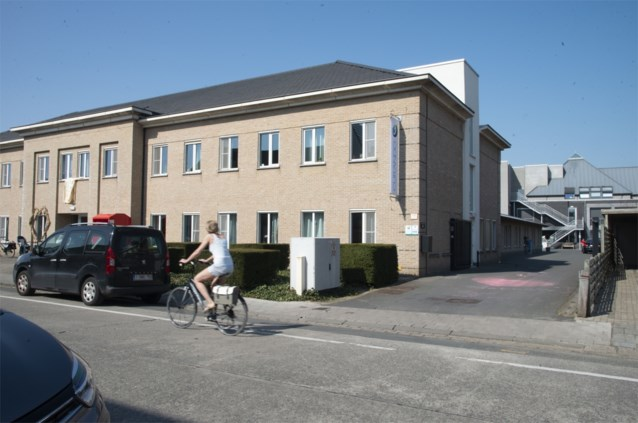 Nu al 21 sterfgevallen in zwaar getroffen woon-zorgcentrum in Brugge