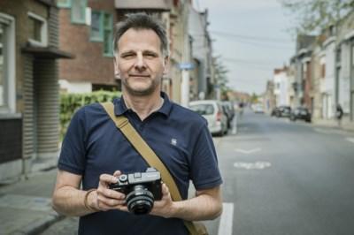 """Fotograaf maakt foto van al zijn buren: """"We weten nog nauwelijks wat er in onze straat gebeurt"""""""