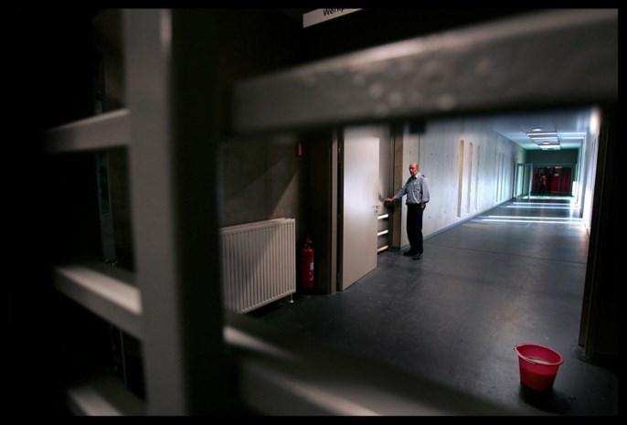 Man die gezicht van ex verminkte, blijft in cel
