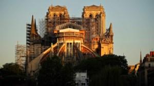 Heropbouw Notre-Dame wordt vanaf maandag voortgezet