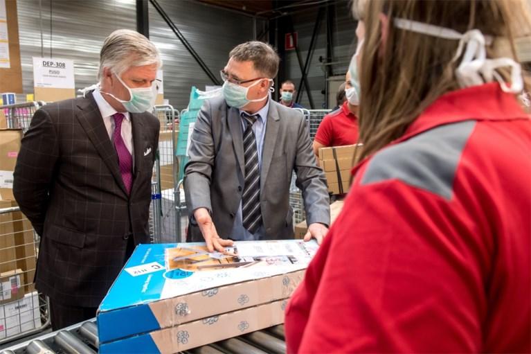 Koning Filip brengt bezoek aan distributiekantoor Bpost